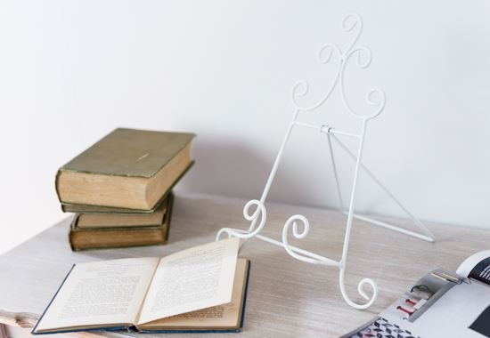 Easels And Book Stands