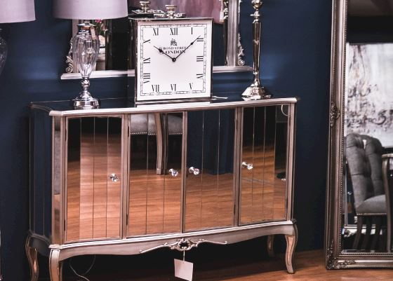Mirrored Furniture...