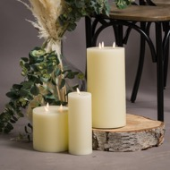 Image 8 - Luxe Collection Natural Glow 3 x 8 LED Ivory Candle